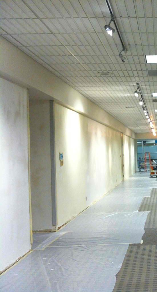 airport-hallway